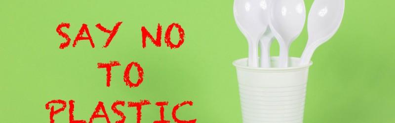 Salutiamo la plastica e diamo il benvenuto ai prodotti biodegradabili e compostabili